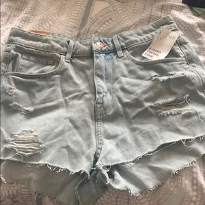 Adorable high waisted denim shorts. Brand new!